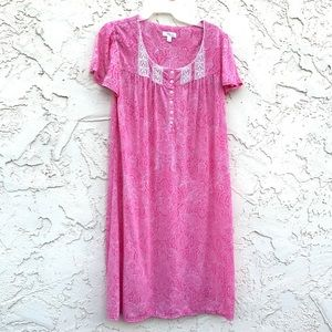 Secret Treasure Sleepwear Size Medium (8-10)